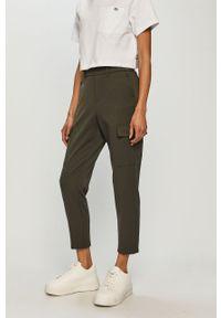 Oliwkowe spodnie materiałowe Vero Moda casualowe, gładkie