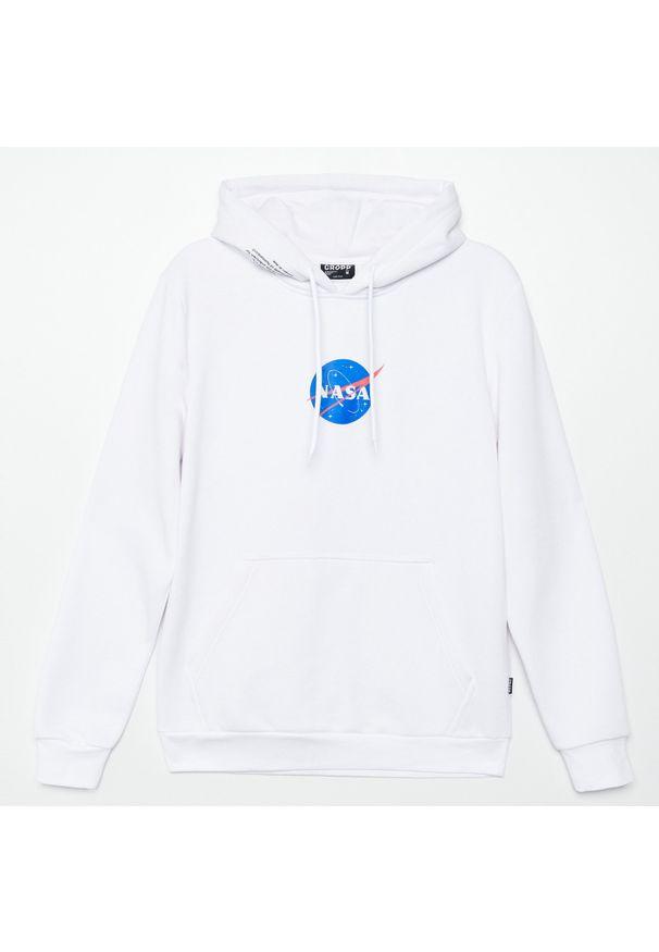Biała bluza Cropp z kapturem