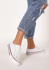 Born2be - Białe Trampki Tyrell. Okazja: na co dzień. Nosek buta: okrągły. Zapięcie: sznurówki. Kolor: biały. Materiał: materiał. Styl: sportowy, casual