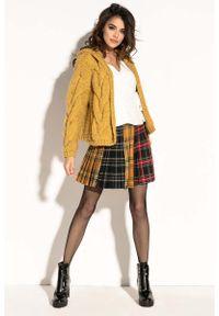 Fobya - Żółty Krótki Kardigan z Kapturem w Formie Bomberki. Typ kołnierza: kaptur. Kolor: żółty. Materiał: wełna, poliakryl. Długość: krótkie