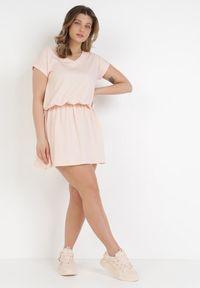 Born2be - Jasnoróżowa Sukienka Harphephine. Kolor: różowy