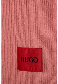 Różowy szalik Hugo