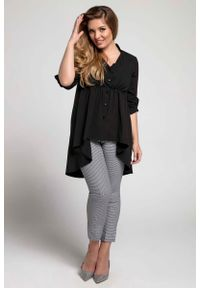Nommo - Czarna Asymetryczna Koszulowa Tunika PLUS SIZE. Kolekcja: plus size. Kolor: czarny. Materiał: wiskoza, poliester