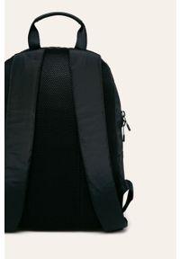 Niebieski plecak TOMMY HILFIGER z nadrukiem