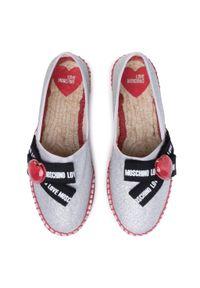 Srebrne półbuty Love Moschino na płaskiej podeszwie, z cholewką