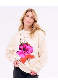 PAPROCKI&BRZOZOWSKI - Kremowa bluza EXOTIC FLOWER. Kolor: beżowy. Materiał: bawełna. Wzór: kwiaty, aplikacja, nadruk