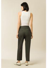 IVY & OAK - Spodnie PHOEBE. Okazja: na co dzień. Stan: podwyższony. Kolor: zielony. Materiał: wiskoza, materiał, poliester. Styl: casual