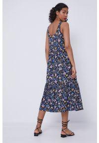 medicine - Medicine - Sukienka Staycation. Materiał: włókno, dzianina, bawełna. Długość rękawa: na ramiączkach. Wzór: gładki. Typ sukienki: rozkloszowane