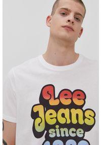 Lee - T-shirt PRIDE. Okazja: na co dzień. Kolor: biały. Wzór: nadruk. Styl: casual