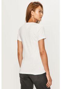 Biała bluzka Tommy Jeans casualowa, z aplikacjami, z okrągłym kołnierzem