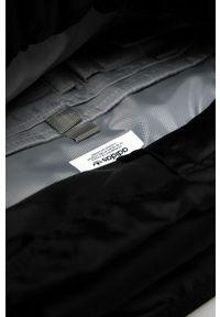 Czarny plecak adidas Originals z aplikacjami