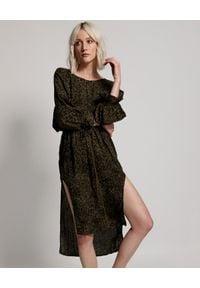 ONETEASPOON - Sukienka w cętki. Okazja: na co dzień. Kolor: czarny. Długość rękawa: długi rękaw. Typ sukienki: proste, asymetryczne. Styl: casual. Długość: midi