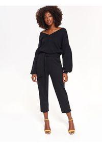 Czarny sweter TOP SECRET casualowy, z dekoltem na plecach, na co dzień