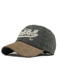 Szara czapka Pako Jeans z napisami, na wiosnę