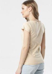 Born2be - Jasnobeżowy T-shirt Oranore. Okazja: na co dzień. Kolor: beżowy. Materiał: dzianina. Długość rękawa: krótki rękaw. Długość: krótkie. Wzór: gładki. Styl: klasyczny, casual