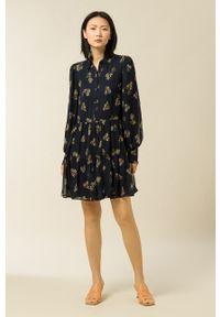IVY & OAK - Sukienka Dunia. Kolor: niebieski. Materiał: tkanina. Długość rękawa: długi rękaw