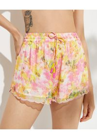 ROCOCO SAND - Szorty w kwiaty Nesh. Stan: podwyższony. Kolor: różowy, wielokolorowy, fioletowy. Materiał: materiał. Wzór: kwiaty
