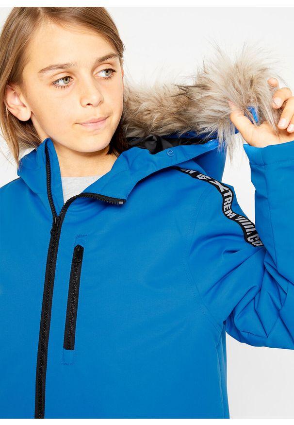 Niebieska kurtka bonprix z kapturem, w paski, na zimę