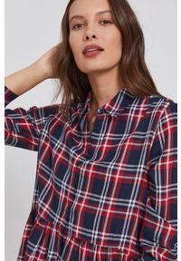 Pepe Jeans - Sukienka bawełniana Katia. Materiał: bawełna. Długość rękawa: długi rękaw. Typ sukienki: rozkloszowane