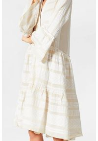 Devotion Twins - Bawełniana sukienka z falbanami i rękawem 3/4 Devotion. Kolor: beżowy. Materiał: bawełna. Typ sukienki: oversize