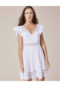 CHARO RUIZ IBIZA - Biała sukienka mini. Okazja: na co dzień. Kolor: biały. Materiał: bawełna, koronka, jeans. Wzór: haft, kwiaty, koronka, aplikacja. Sezon: lato. Typ sukienki: rozkloszowane. Styl: wakacyjny, casual. Długość: mini
