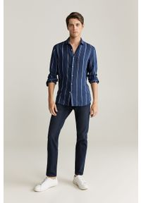 Niebieska koszula Mango Man długa, klasyczna, na co dzień, z klasycznym kołnierzykiem