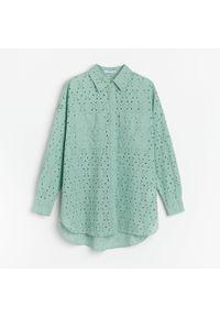 Turkusowa koszula Reserved w ażurowe wzory