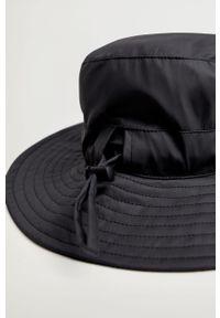 Czarny kapelusz mango