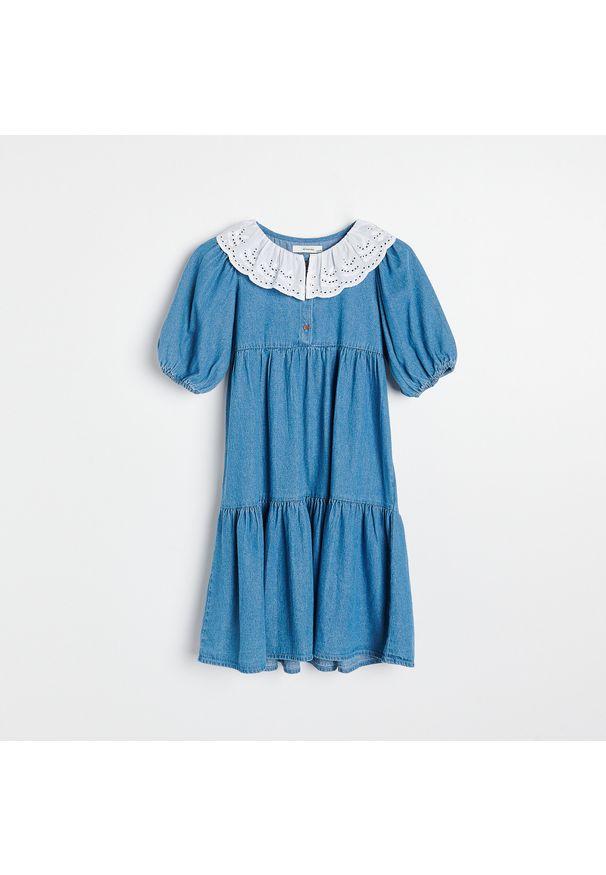 Reserved - Denimowa sukienka z kołnierzykiem - Niebieski. Kolor: niebieski