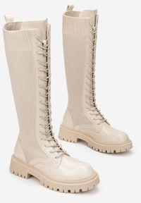 Renee - Beżowe Kozaki Hypnerios. Wysokość cholewki: przed kolano. Nosek buta: okrągły. Zapięcie: sznurówki. Kolor: beżowy. Materiał: materiał. Szerokość cholewki: normalna