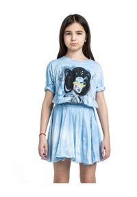 ROBERT KUPISZ - Niebieska sukienka GEISHA. Kolor: niebieski. Materiał: guma. Wzór: nadruk
