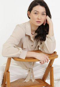 Born2be - Jasnobeżowa Koszula Viviciane. Kolor: beżowy. Materiał: jeans. Długość rękawa: długi rękaw. Długość: długie