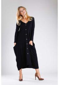 Czarna sukienka dzianinowa Nommo midi