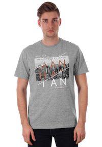 Szary t-shirt Just Yuppi na co dzień, casualowy, z krótkim rękawem