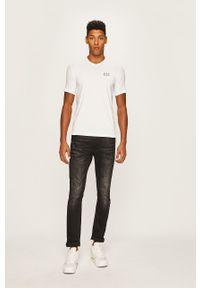 EA7 Emporio Armani - T-shirt. Okazja: na co dzień. Kolor: biały. Materiał: dzianina. Styl: casual