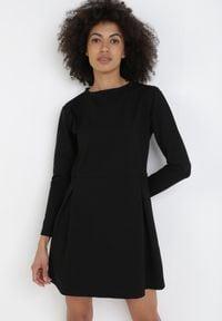 Born2be - Czarna Sukienka Thyxalise. Okazja: na co dzień. Kolor: czarny. Typ sukienki: proste. Styl: casual. Długość: mini