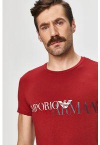 Czerwony t-shirt Emporio Armani z nadrukiem