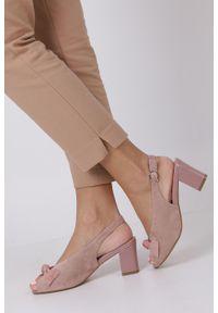 Sergio Leone - Różowe sandały z kokardką na słupku peep toe sergio leone sk801. Nosek buta: otwarty. Kolor: różowy. Obcas: na słupku