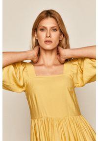 medicine - Medicine - Sukienka Summer Garden. Kolor: żółty. Długość rękawa: krótki rękaw. Typ sukienki: rozkloszowane