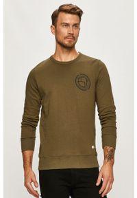 Oliwkowa bluza nierozpinana PRODUKT by Jack & Jones z okrągłym kołnierzem, z nadrukiem