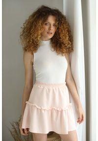Nommo - Krótka Bawełniana Spódniczka z Falbanką - Różowa. Kolor: różowy. Materiał: bawełna. Długość: krótkie