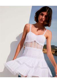 CHARO RUIZ IBIZA - Koronkowa sukienka Irish. Kolor: biały. Materiał: koronka. Długość rękawa: na ramiączkach. Wzór: koronka, ażurowy, aplikacja. Długość: mini