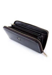 Wittchen - Damski portfel ze skóry z herbem na zamek. Kolor: czarny. Materiał: skóra. Wzór: aplikacja