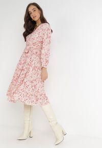 Born2be - Beżowo-Czerwona Sukienka Rhaenophe. Kolor: beżowy. Materiał: tkanina, materiał, guma. Długość rękawa: długi rękaw. Typ sukienki: kopertowe. Długość: maxi