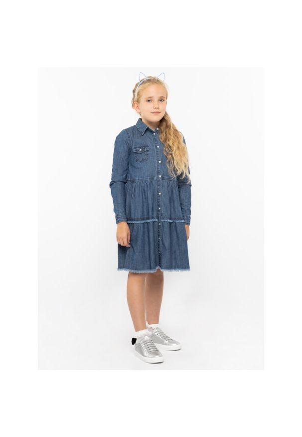 Niebieska sukienka Guess na co dzień, casualowa, prosta