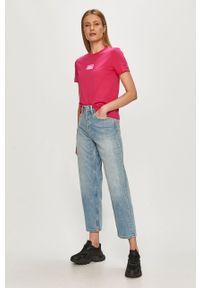 Różowa bluzka Calvin Klein Jeans z aplikacjami, casualowa, na co dzień