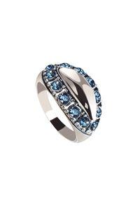 Polcarat Design - Srebrny pierścionek z kryształami Swarovski PK 1826. Materiał: srebrne. Kolor: srebrny. Wzór: aplikacja. Kamień szlachetny: kryształ