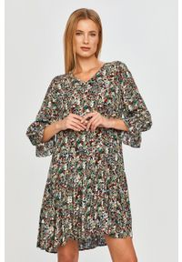 only - Only - Sukienka. Materiał: tkanina. Typ sukienki: rozkloszowane