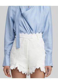 ACLER - Białe szorty Alantic. Stan: podwyższony. Kolor: biały. Materiał: bawełna, len, wiskoza, koronka. Wzór: kwiaty, aplikacja