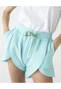 MARLU - Błękitne szorty Gold. Kolekcja: dla wysokich. Kolor: niebieski. Materiał: żakard, bawełna. Wzór: nadruk. Styl: sportowy, wakacyjny